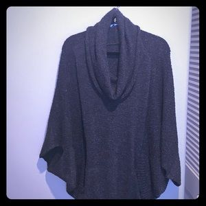 Vera Wang sweater top